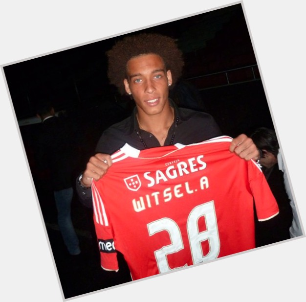 Axel Witsel dating 10.jpg