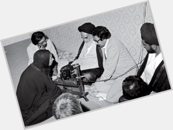 Ayatollah Khomeini new pic 6.jpg