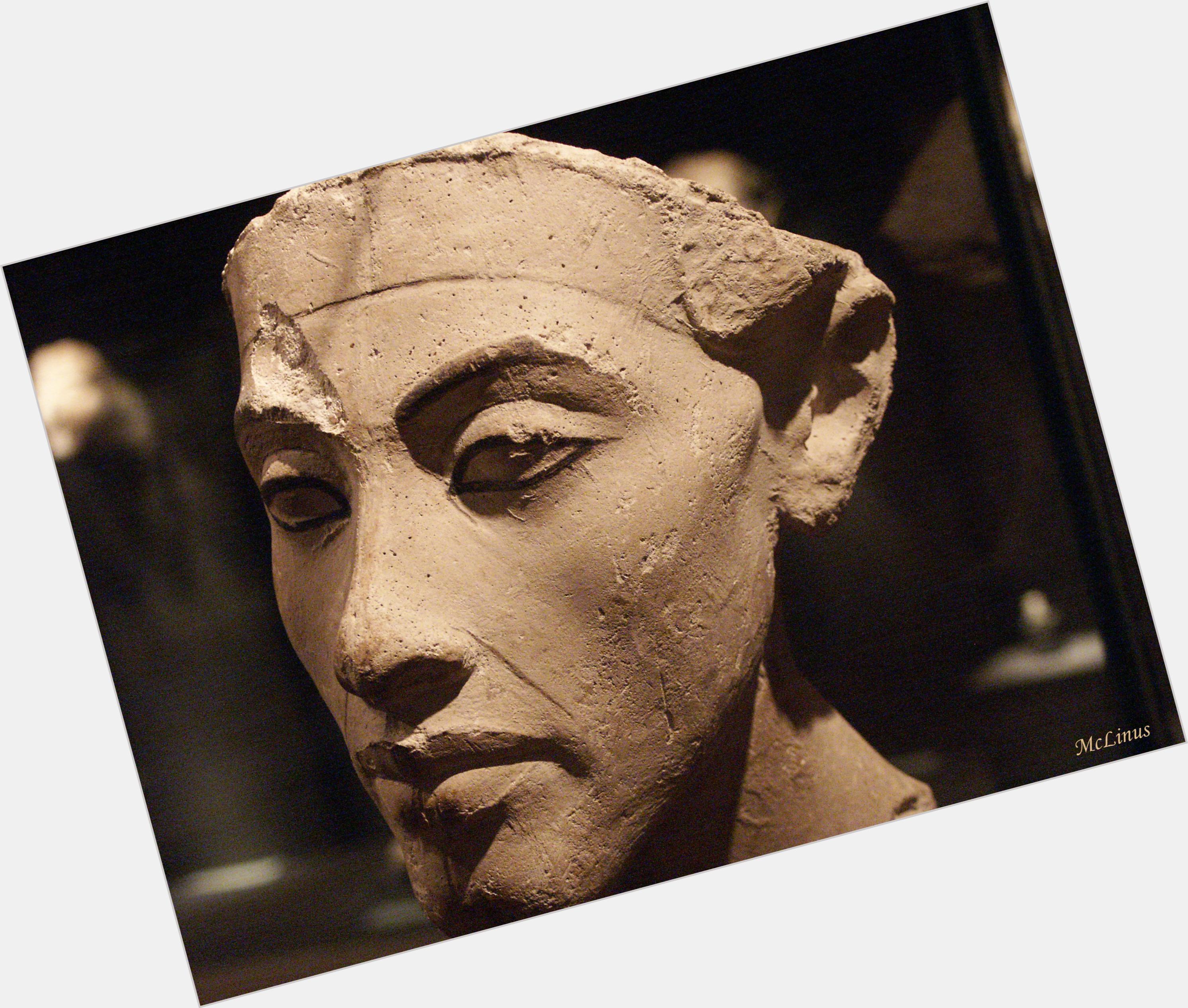 """<a href=""""/hot-men/akhenaton/is-he-akhenaten-abraham-moses-why-important-so"""">Akhenaton</a>"""