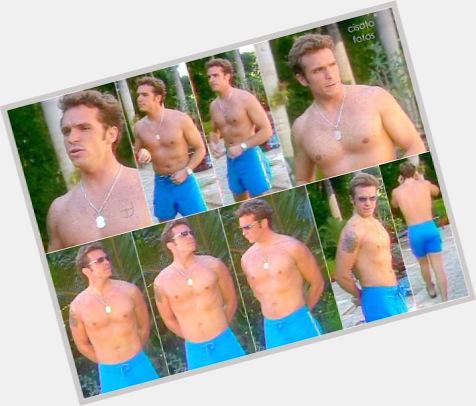 "<a href=""/hot-men/ismael-la-rosa/is-he-bi-2014"">Ismael La Rosa</a> Average body,  light brown hair & hairstyles"