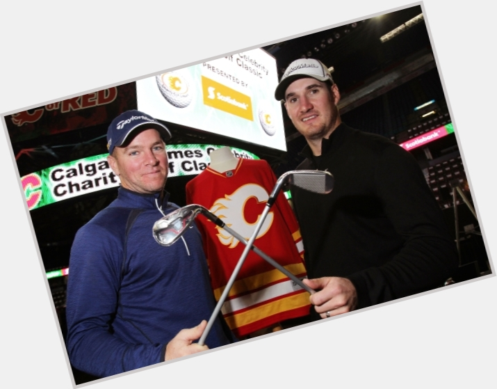 "<a href=""/hot-men/alex-tanguay/is-he-married-injury-where-when-back-long"">Alex Tanguay</a> Athletic body,"
