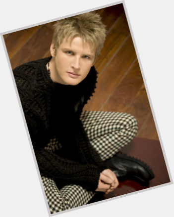 "<a href=""/hot-men/alexander-acha/is-he-married-mother-tall"">Alexander Acha</a> Athletic body,  blonde hair & hairstyles"