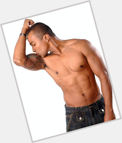 """<a href=""""/hot-men/alexandre-pires/is-he-tall-where"""">Alexandre Pires</a> Average body,  black hair & hairstyles"""