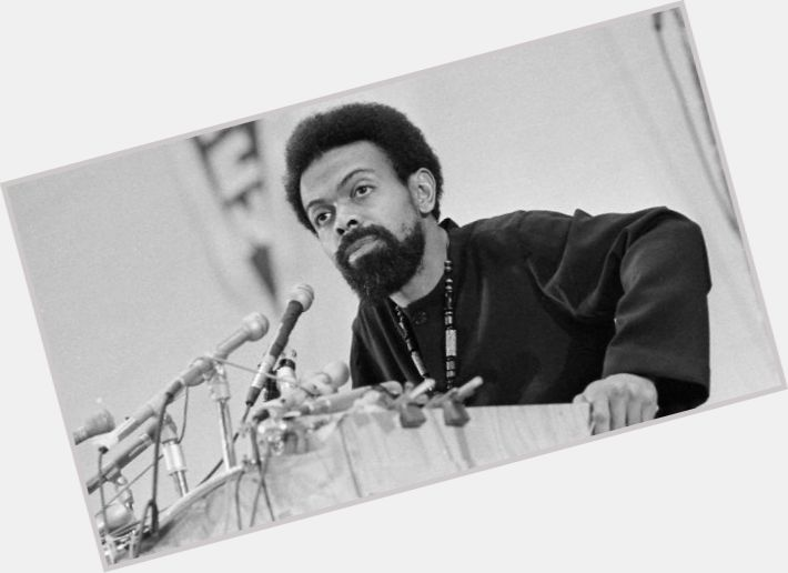 "<a href=""/hot-men/amiri-baraka/is-he-still-alive-what-known-why-famous"">Amiri Baraka</a> Average body,  salt and pepper hair & hairstyles"