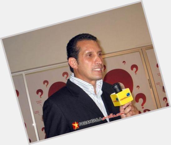 "<a href=""/hot-men/fernando-solorzano/is-he-tall"">Fernando Solorzano</a> Slim body,  dark brown hair & hairstyles"