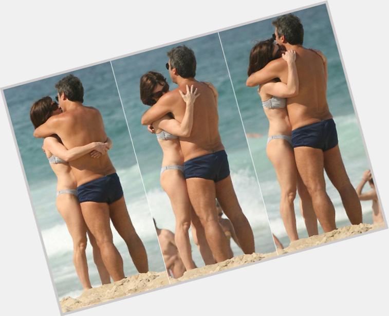 "<a href=""/hot-women/bel-kutner/where-dating-news-photos"">Bel Kutner</a> Slim body,  dark brown hair & hairstyles"