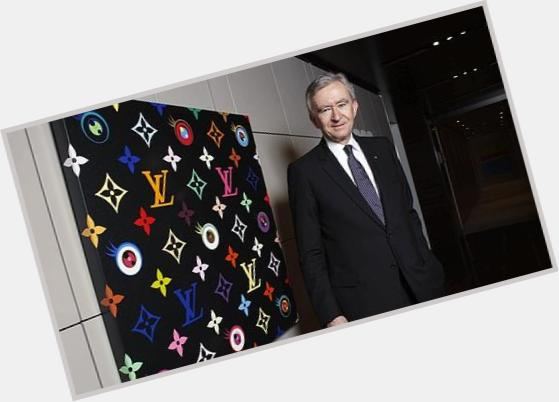 "<a href=""/hot-men/bernard-arnault/where-dating-news-photos"">Bernard Arnault</a> Average body,  grey hair & hairstyles"