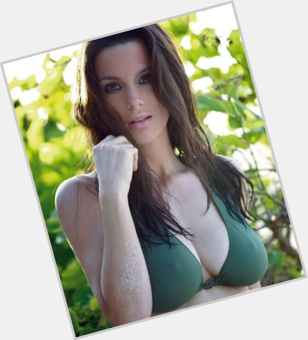 "<a href=""/hot-women/bianca-araneta/where-dating-news-photos"">Bianca Araneta</a>"