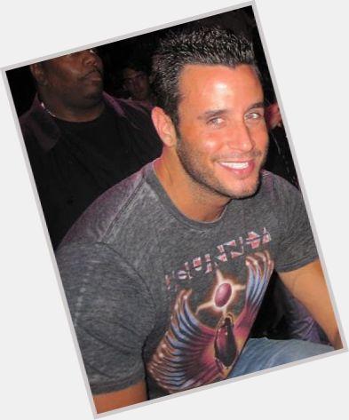 "<a href=""/hot-men/billy-sorrentino/is-he-bi-2014"">Billy Sorrentino</a> Average body,  dark brown hair & hairstyles"