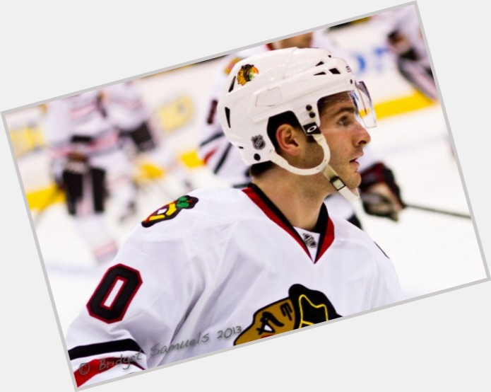 Brandon Saad exclusive hot pic 4.jpg