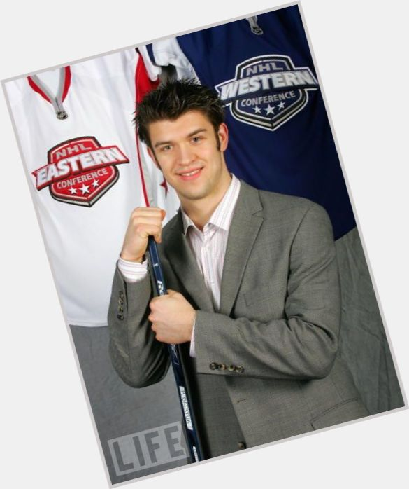 Brent Seabrook dark brown hair & hairstyles Athletic body,