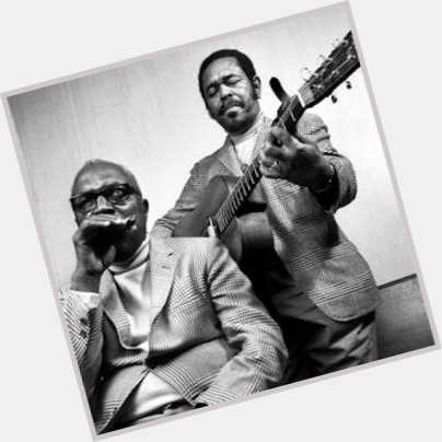 "<a href=""/hot-men/brownie-mcghee/where-dating-news-photos"">Brownie Mcghee</a> Average body,  black hair & hairstyles"
