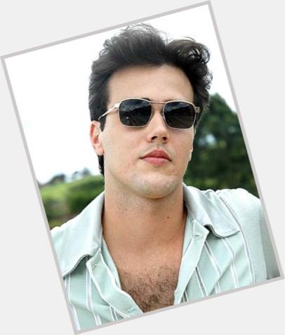 Bruno Ferrari new hairstyles 6.jpg