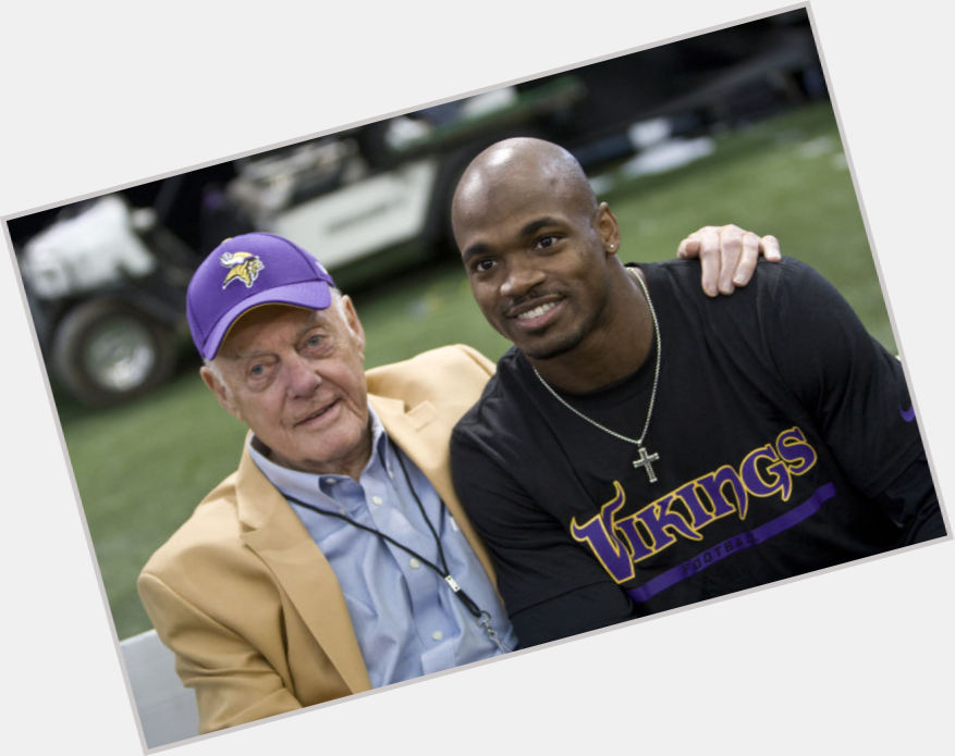 "<a href=""/hot-men/bud-grant/where-dating-news-photos"">Bud Grant</a>"