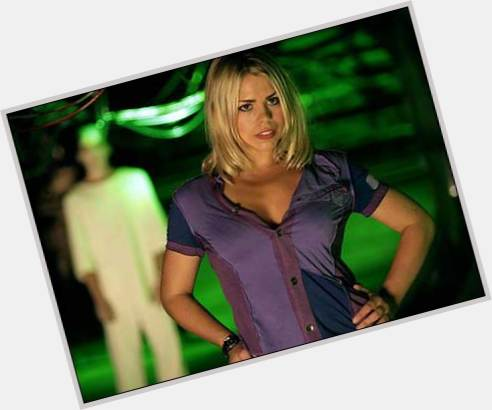 Rose Tyler blonde hair & hairstyles Voluptuous body,