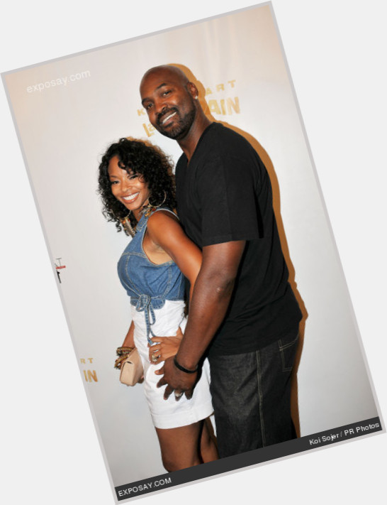 """<a href=""""/hot-men/bryon-russell/is-he-what-doing-now-where-utah-jazz"""">Bryon Russell</a> Athletic body,  bald hair & hairstyles"""