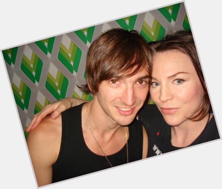 "<a href=""/hot-men/cameron-muncey/where-dating-news-photos"">Cameron Muncey</a> Slim body,  light brown hair & hairstyles"