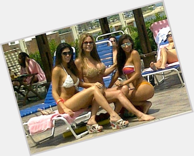 Cecilia Navia exclusive hot pic 5.jpg