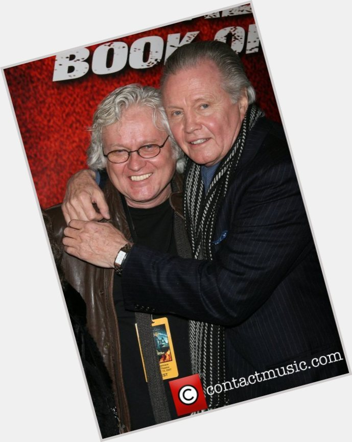 """<a href=""""/hot-men/chip-taylor/where-dating-news-photos"""">Chip Taylor</a> Average body,  salt and pepper hair & hairstyles"""