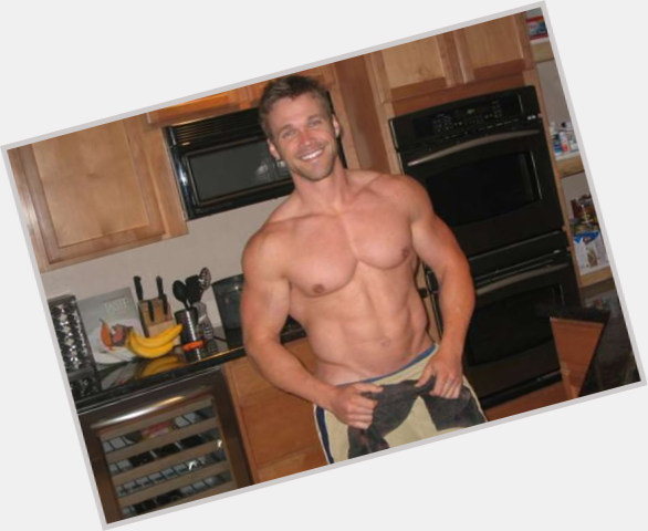"""<a href=""""/hot-men/chris-powell/where-dating-news-photos"""">Chris Powell</a> Athletic body,  light brown hair & hairstyles"""