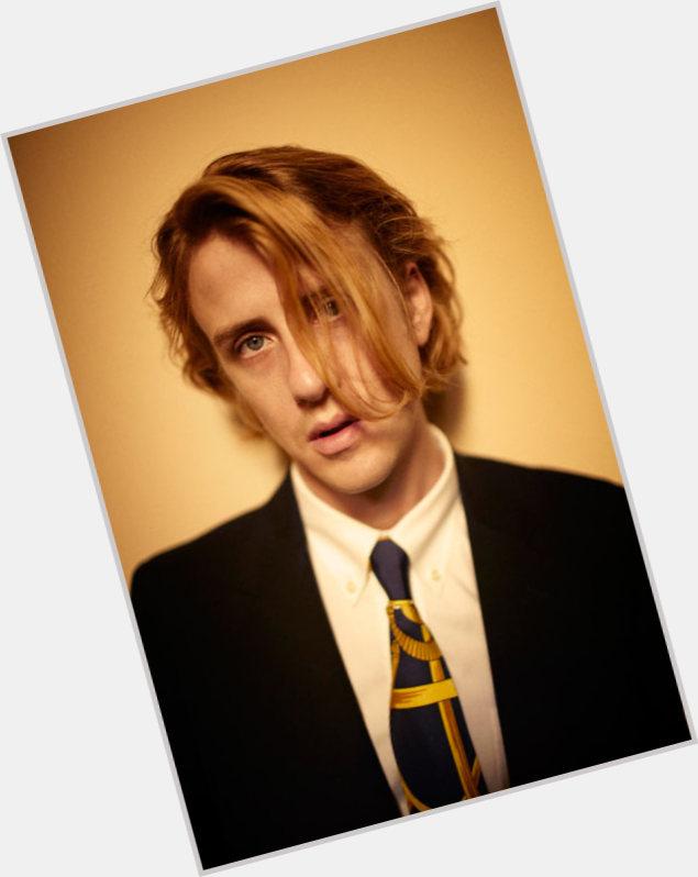 Christopher Owens hairstyle 5.jpg