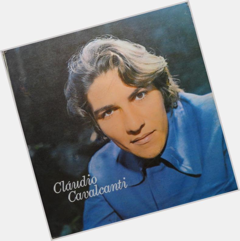 "<a href=""/hot-men/claudio-cavalcanti/where-dating-news-photos"">Claudio Cavalcanti</a> Athletic body,  dark brown hair & hairstyles"
