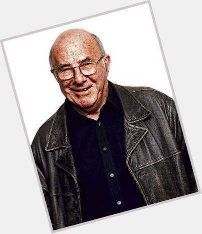 Clive James new pic 1.jpg