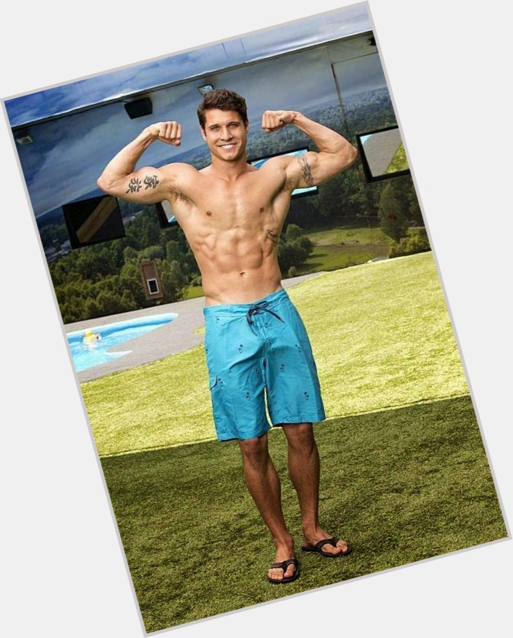 "<a href=""/hot-men/cody-calafiore/where-dating-news-photos"">Cody Calafiore</a> Athletic body,  dark brown hair & hairstyles"