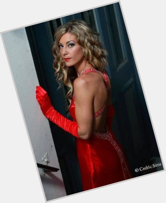 Courtney Hurley sexy 3.jpg