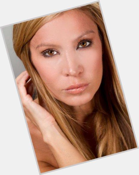 Cynthia Pinot sexy 0.jpg