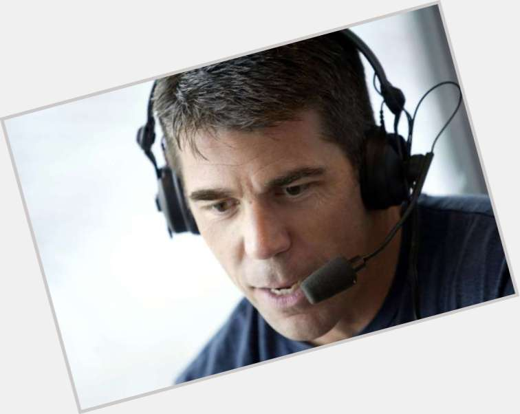 "<a href=""/hot-men/chris-fowler/is-he-espn-married-what-salary-why-wearing"">Chris Fowler</a> Average body,  dark brown hair & hairstyles"