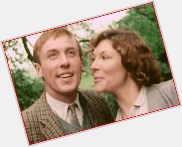 """<a href=""""/hot-men/christopher-timothy/is-he-still-alive-married-alcoholic-what-doing"""">Christopher Timothy</a> Average body,  salt and pepper hair & hairstyles"""