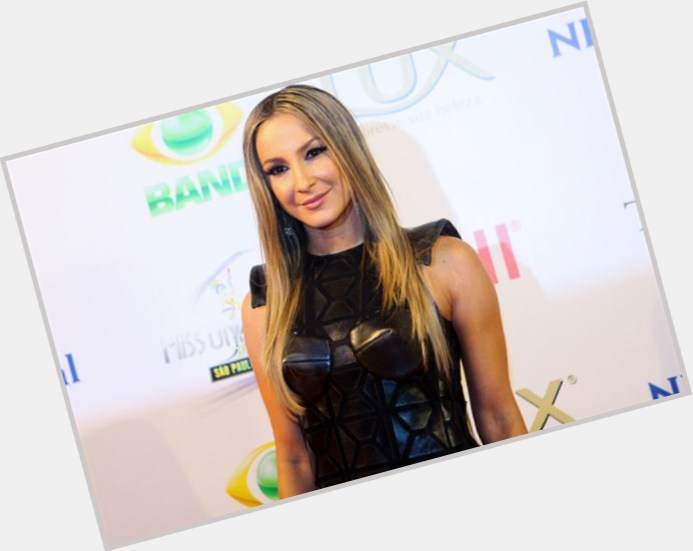 "<a href=""/hot-women/claudia-leitte/is-she-tall-love"">Claudia Leitte</a> Slim body,  blonde hair & hairstyles"