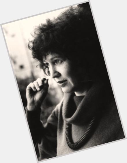 dahlia ravikovitch Dahlia ravikovitch (hebrew: דליה רביקוביץ'   november 17, 1936 – august 21, 2005) was an israeli poet, translator, and peace activist.