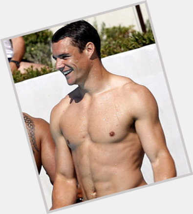 Dan Carter dark brown hair & hairstyles Athletic body,