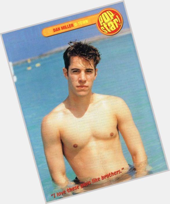 "<a href=""/hot-men/dan-miller/where-dating-news-photos"">Dan Miller</a> Average body,  dark brown hair & hairstyles"