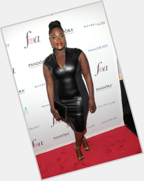 "<a href=""/hot-women/danielle-brooks/where-dating-news-photos"">Danielle Brooks</a> Average body,  black hair & hairstyles"