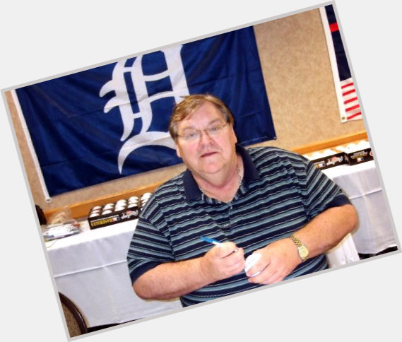 "<a href=""/hot-men/denny-mclain/where-dating-news-photos"">Denny Mclain</a> Average body,  dark brown hair & hairstyles"
