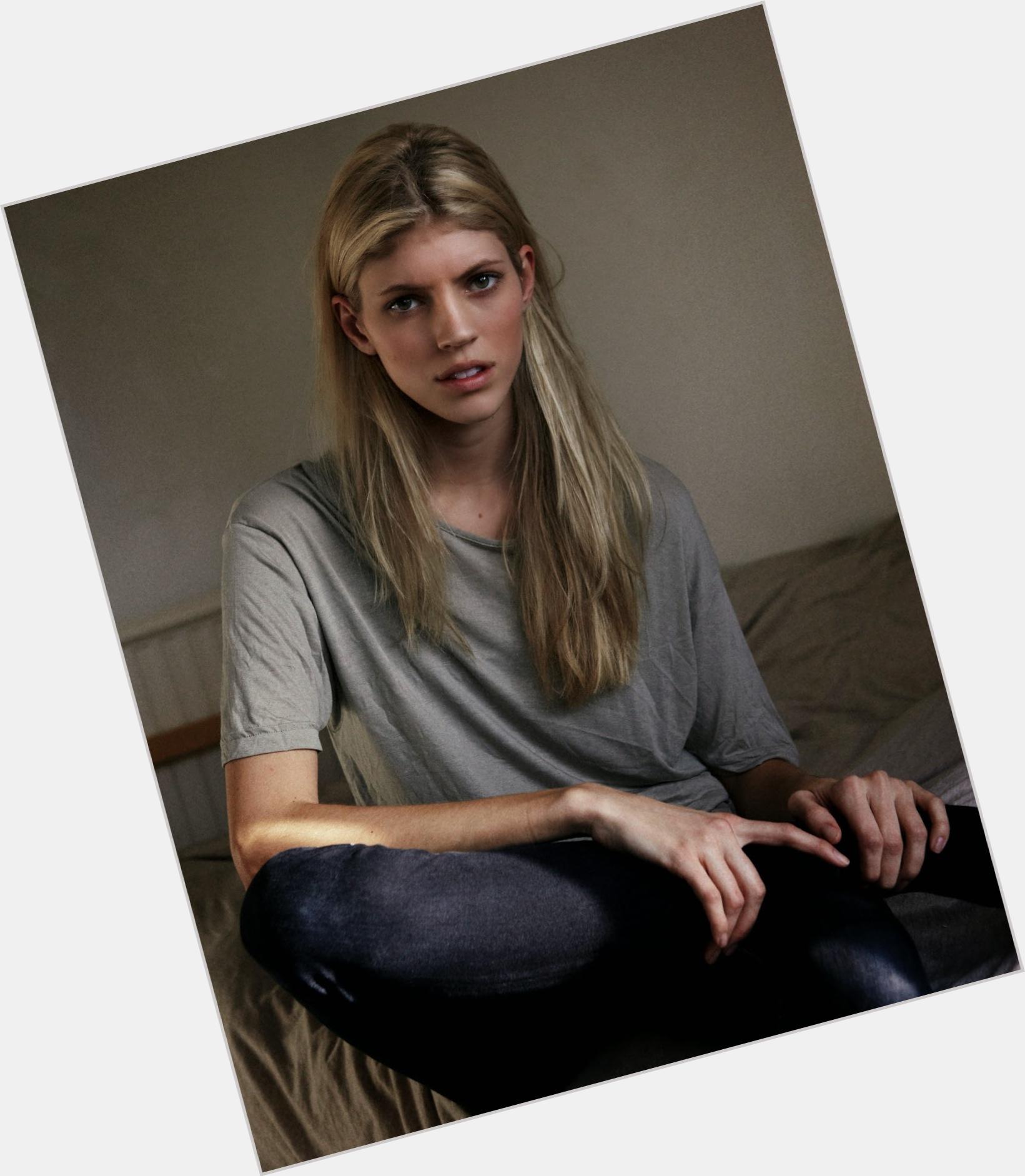 """<a href=""""/hot-women/devon-windsor/where-dating-news-photos"""">Devon Windsor</a> Slim body,  blonde hair & hairstyles"""
