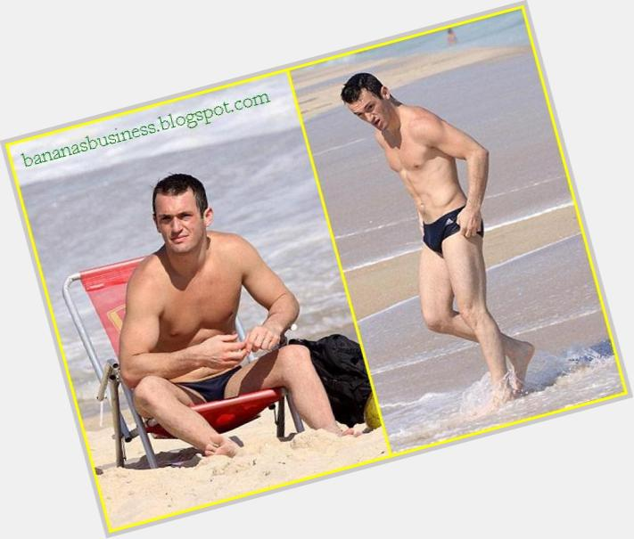 "<a href=""/hot-men/diego-hypolito/where-dating-news-photos"">Diego Hypolito</a> Athletic body,  bald hair & hairstyles"