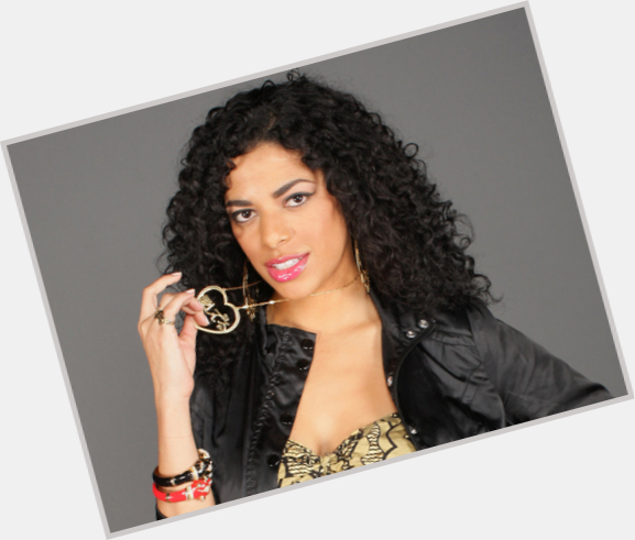 "<a href=""/hot-women/dj-rashida/where-dating-news-photos"">Dj Rashida</a> Slim body,  black hair & hairstyles"