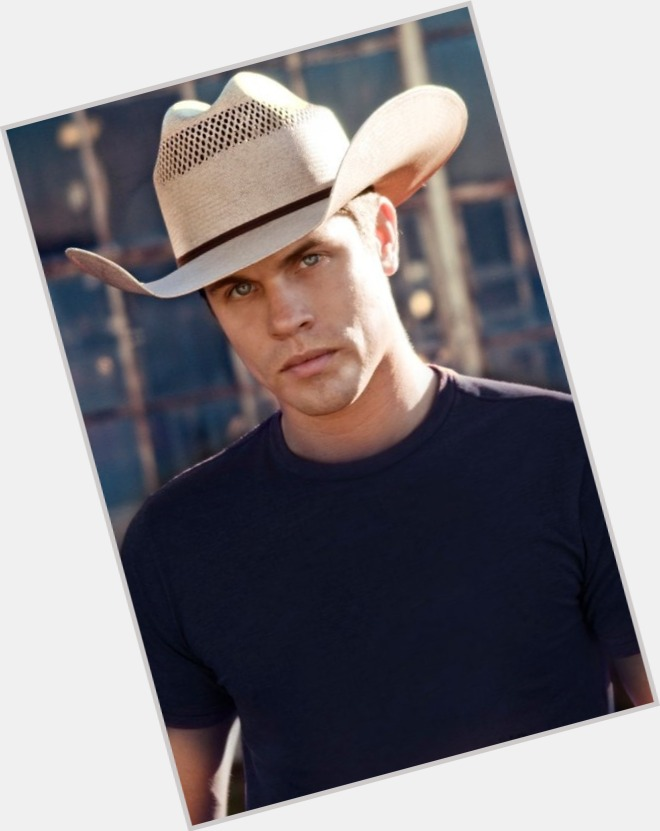 Dustin Lynch birthday 2015