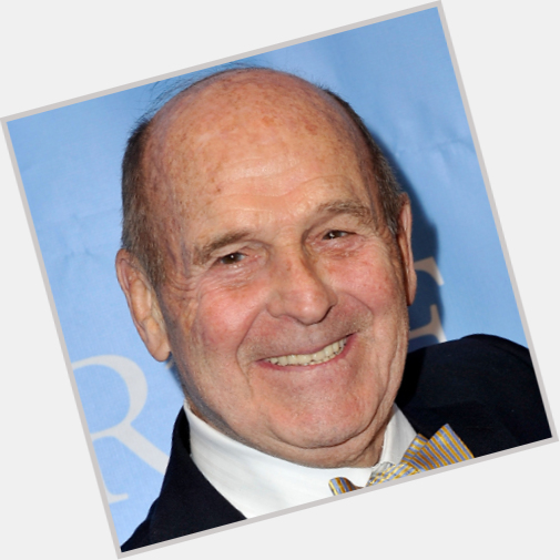 "<a href=""/hot-men/dick-button/is-he-bi-2014"">Dick Button</a> Average body,  bald hair & hairstyles"