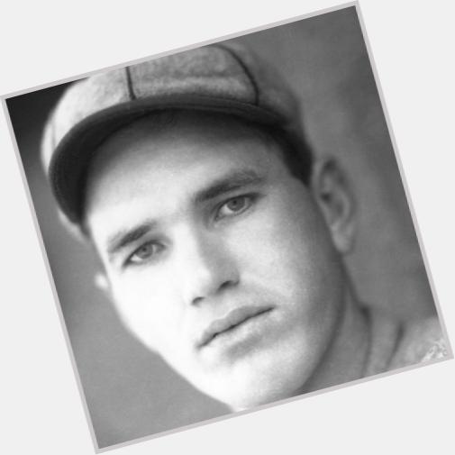 "<a href=""/hot-men/dizzy-dean/is-he-hall-fame-what-baseball-where-buried"">Dizzy Dean</a> Average body,"