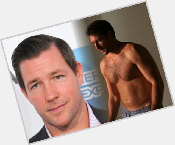 "<a href=""/hot-men/ed-burns/where-dating-news-photos"">Ed Burns</a> Average body,  dark brown hair & hairstyles"