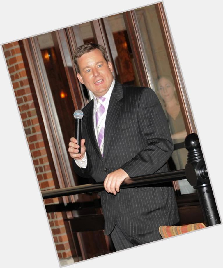 "<a href=""/hot-men/ed-henry/where-dating-news-photos"">Ed Henry</a> Average body,  dark brown hair & hairstyles"