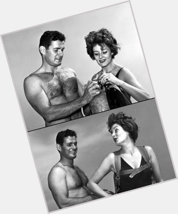 "<a href=""/hot-men/edson-stroll/where-dating-news-photos"">Edson Stroll</a> Bodybuilder body,  grey hair & hairstyles"