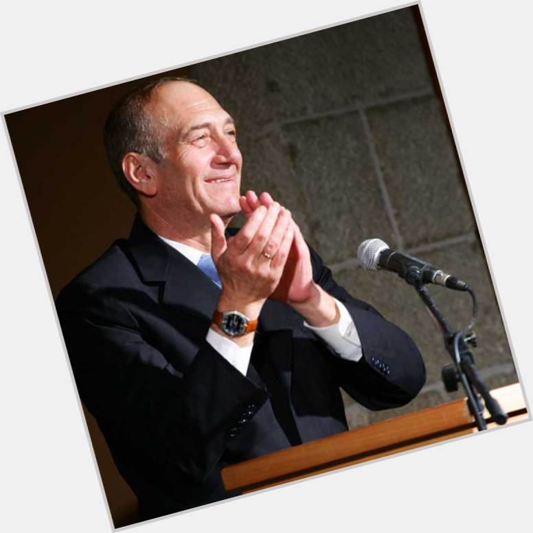 "<a href=""/hot-men/ehud-olmert/where-dating-news-photos"">Ehud Olmert</a> Average body,  salt and pepper hair & hairstyles"