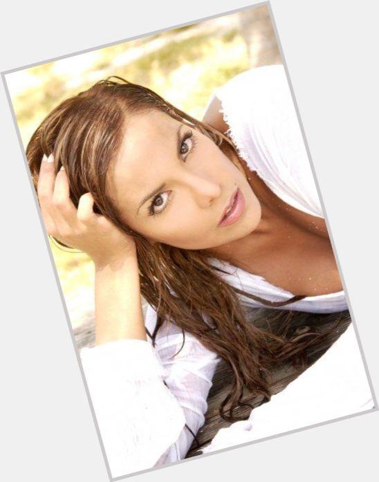 Elaiza Gil sexy 6.jpg