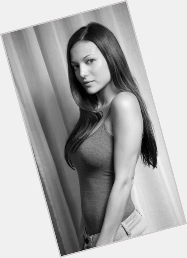 Elisa Mouliaa body 4.jpg